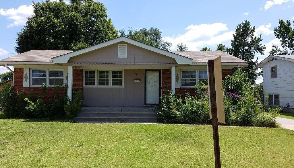 2415 W SUNNYBROOK ST, Wichita, KS 67217