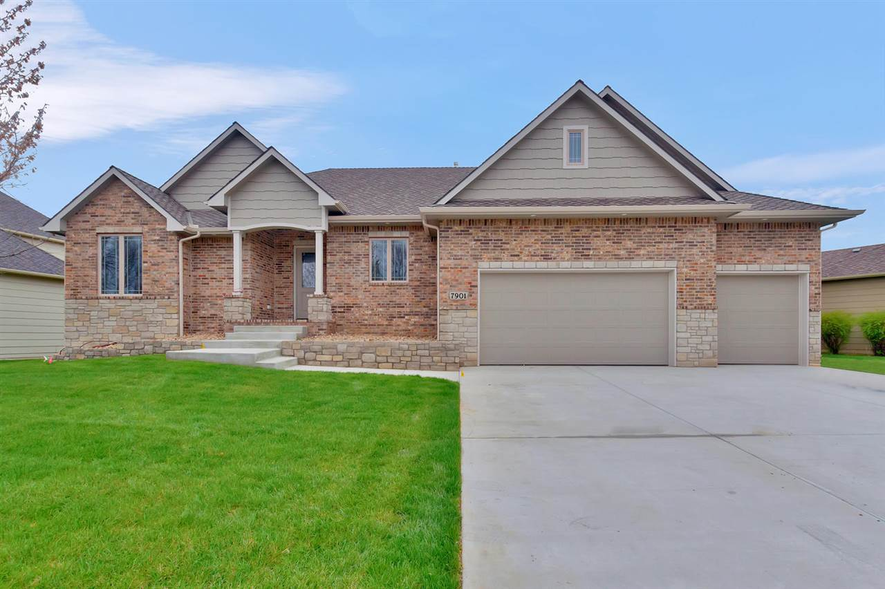 7901 W Meadow Park Circle, Wichita, KS 67205