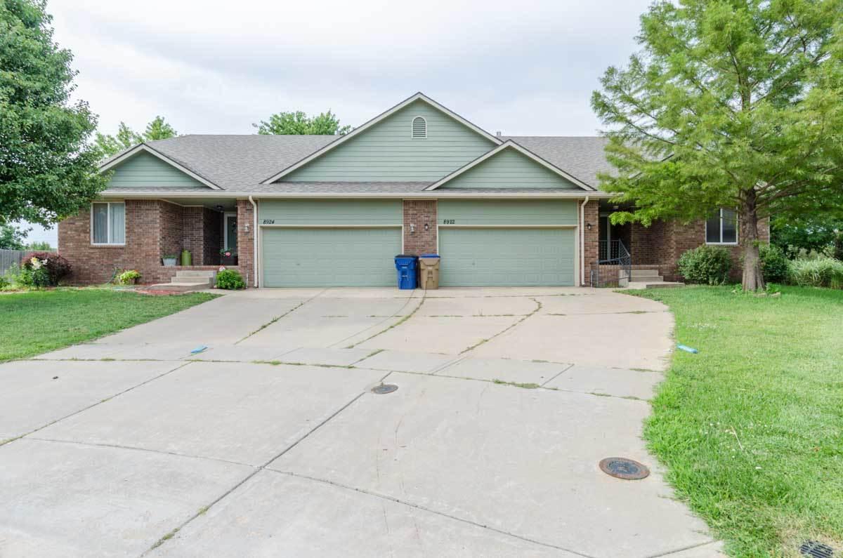 8922 W Meadow Park Ct, Wichita, KS 67205