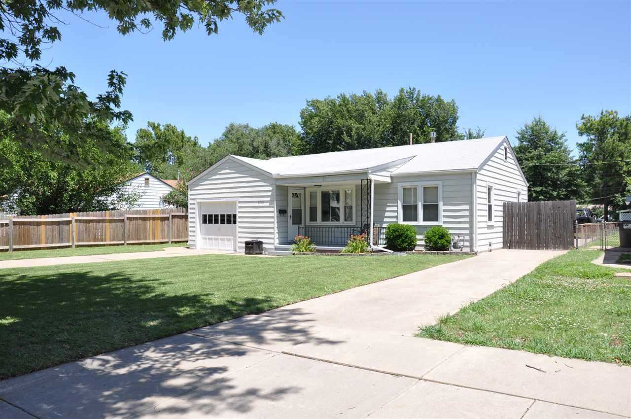 2208 S Grove St, Wichita, KS 67211
