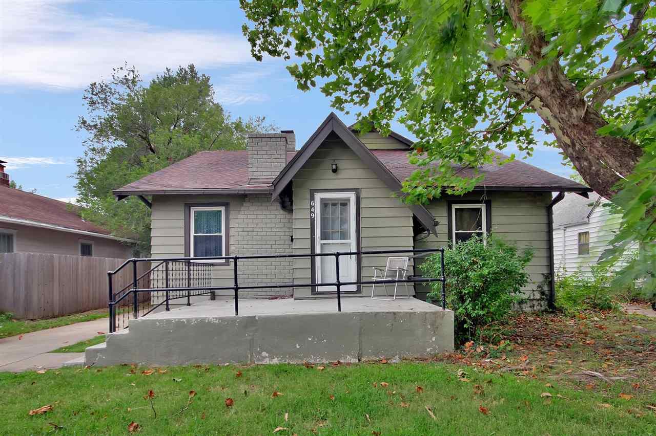 649 N Dellrose, Wichita, KS 67208