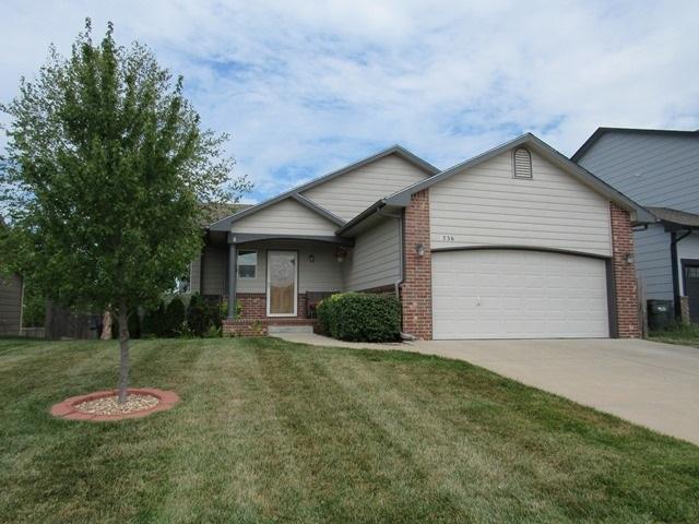 1736 S Lynnrae St, Wichita, KS 67207