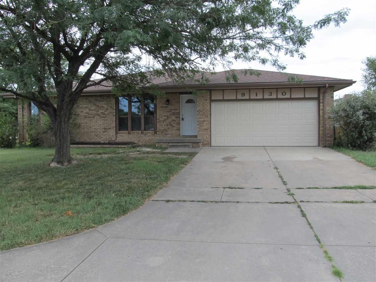 9130 E FUNSTON CT, Wichita, KS 67207