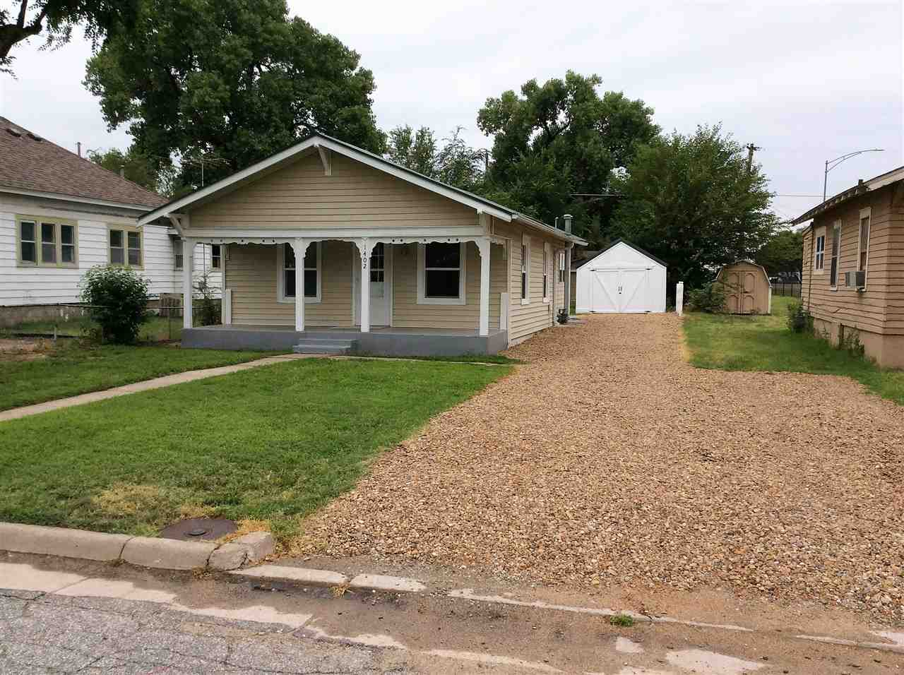 1402 E 5TH AVE, HUTCHINSON, KS 67501  Photo 17