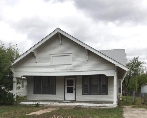 2122 S Exchange St, Wichita, KS 67213