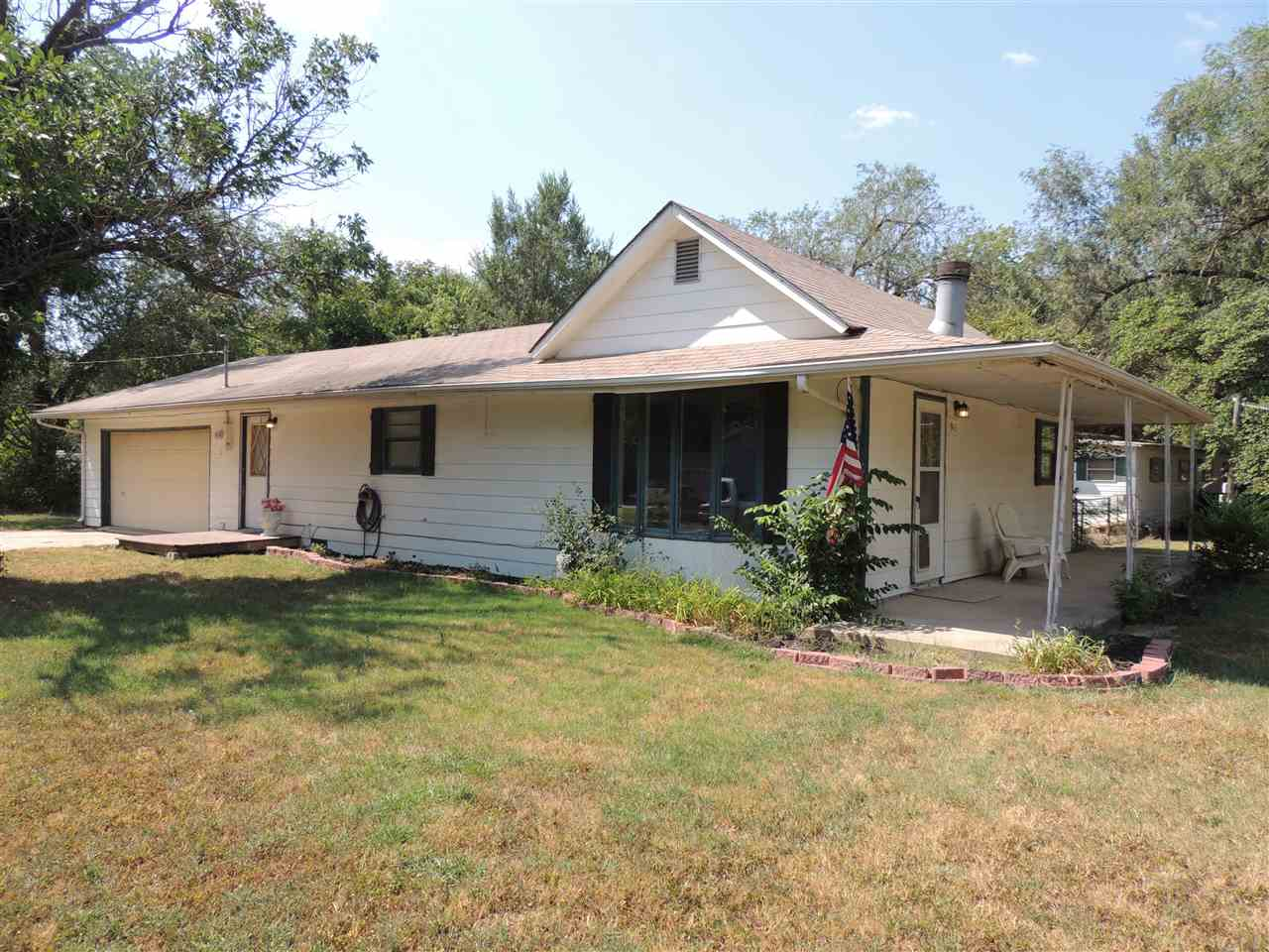 903 N SUMNER ST, Belle Plaine, KS 67013
