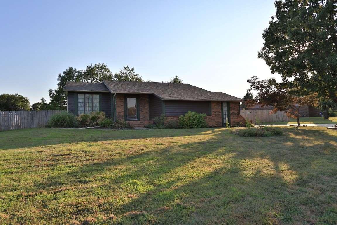 287 N Willo Esque St, Wichita, KS 67212