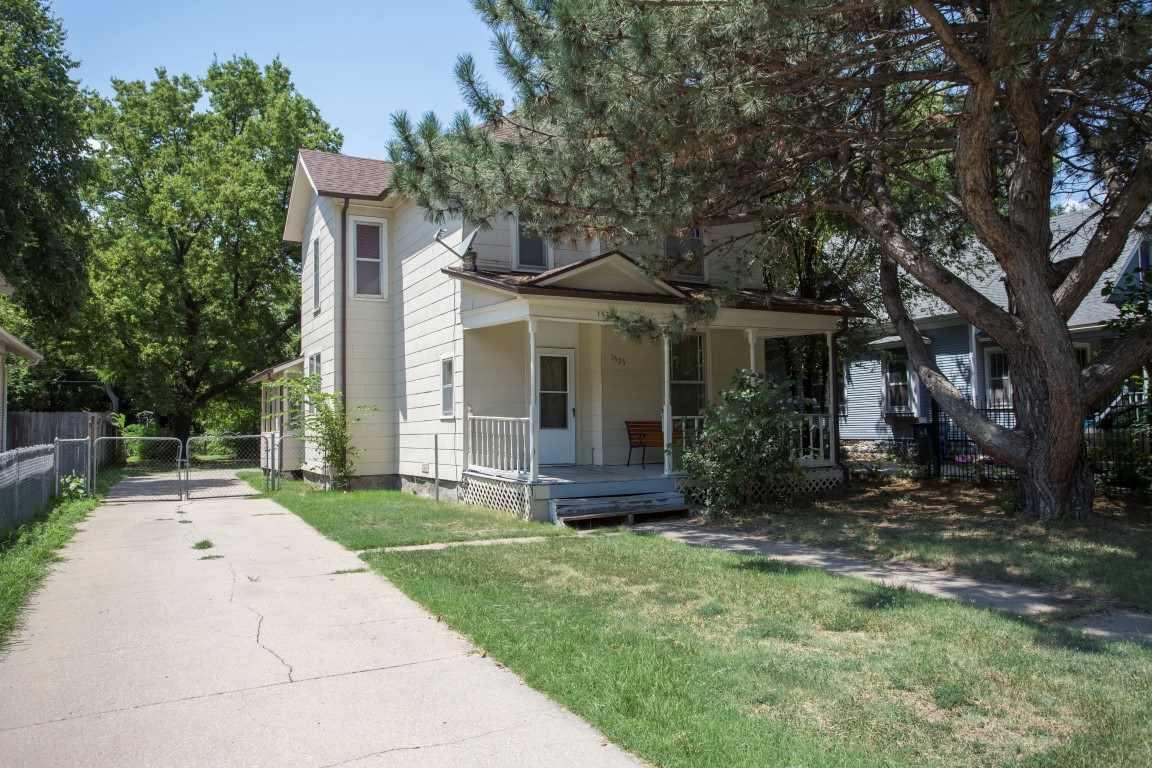 1525 N Park Pl, Wichita, KS 67203