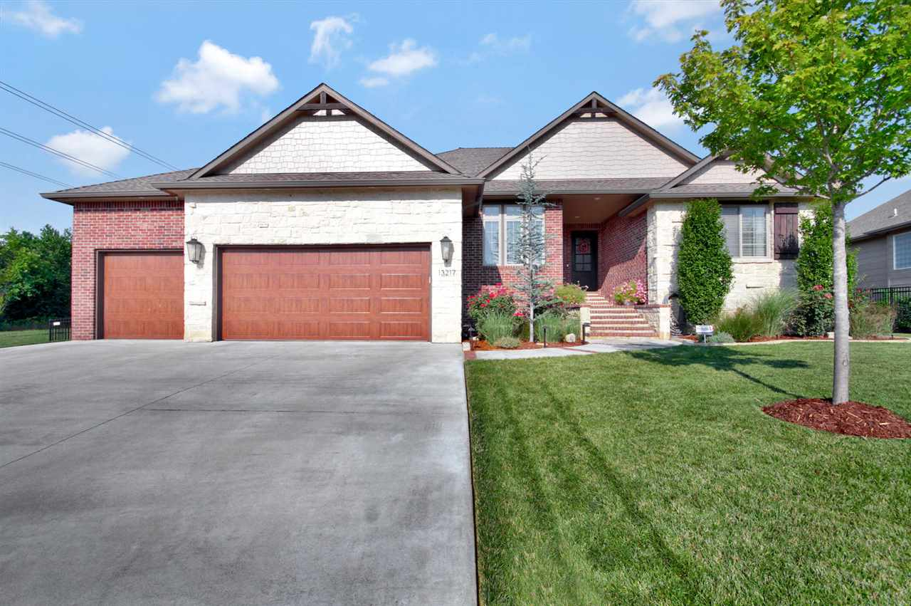 13217 E Bridlewood Ct, Wichita, KS 67230