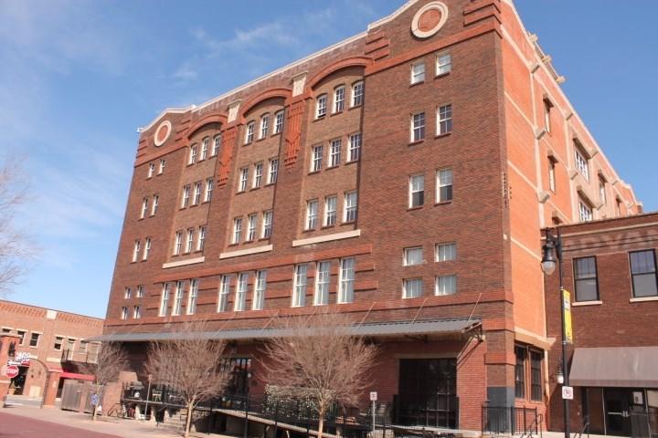 242 N Mead St, Unit 4F, Wichita, KS 67202