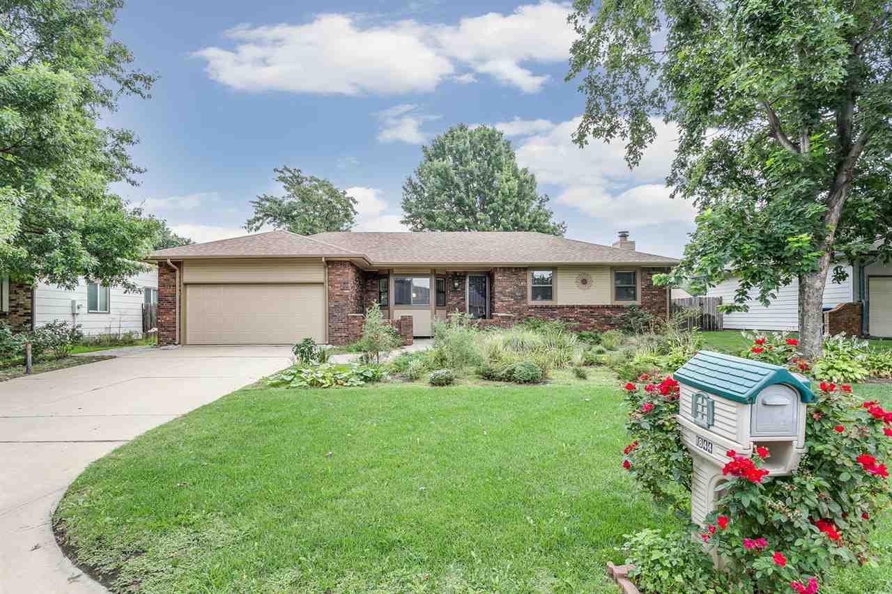 1844 N EVERGREEN LN, Wichita, KS 67212