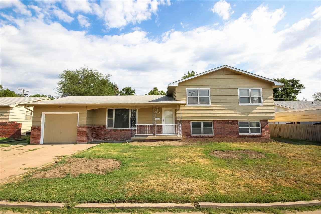 1208 E Galena, Wichita, KS 67216