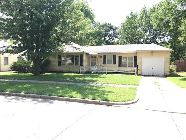 1747 N Old Manor Road, Wichita, KS 67208