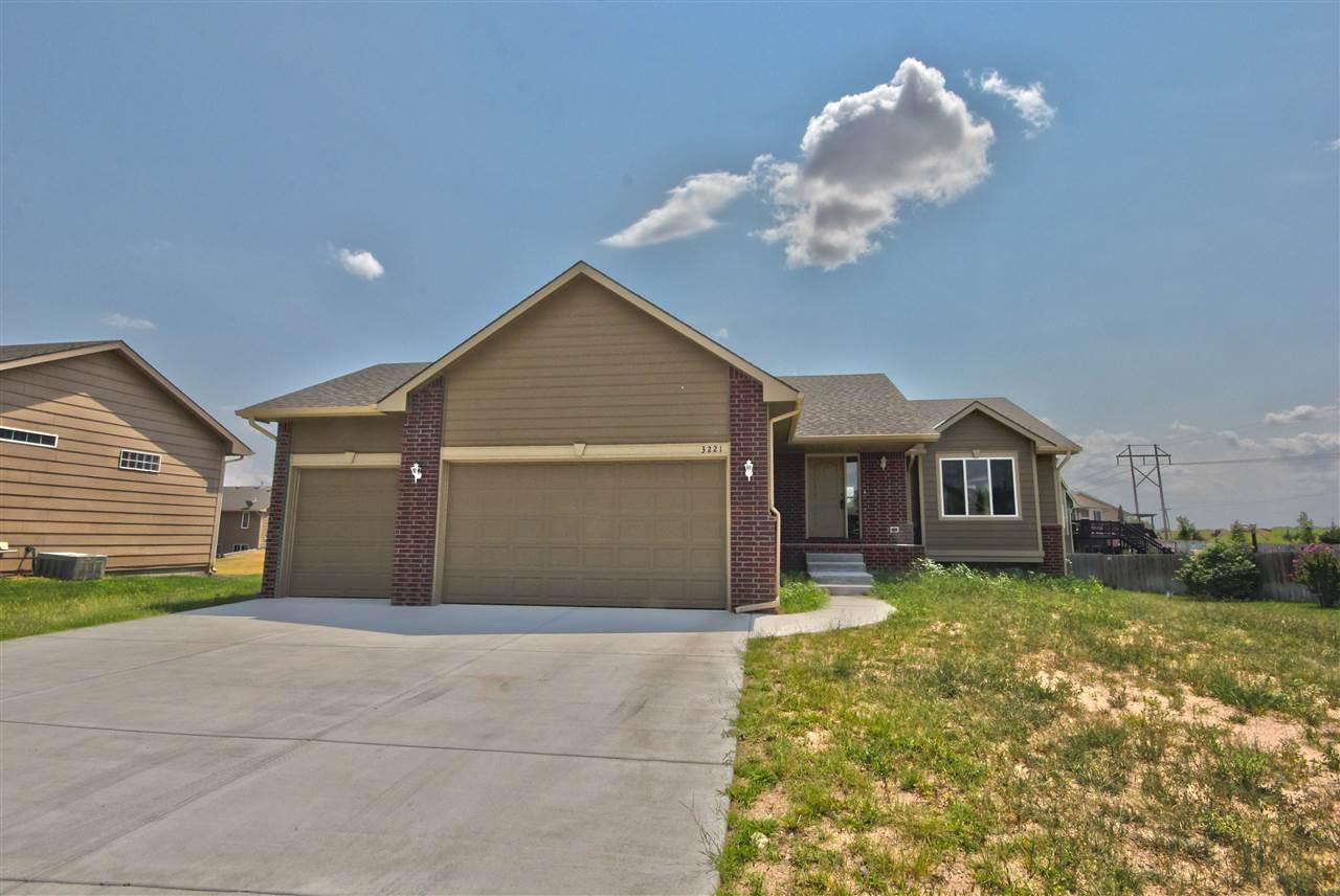 3221 S Blue Lake Ct, Wichita, KS 67215