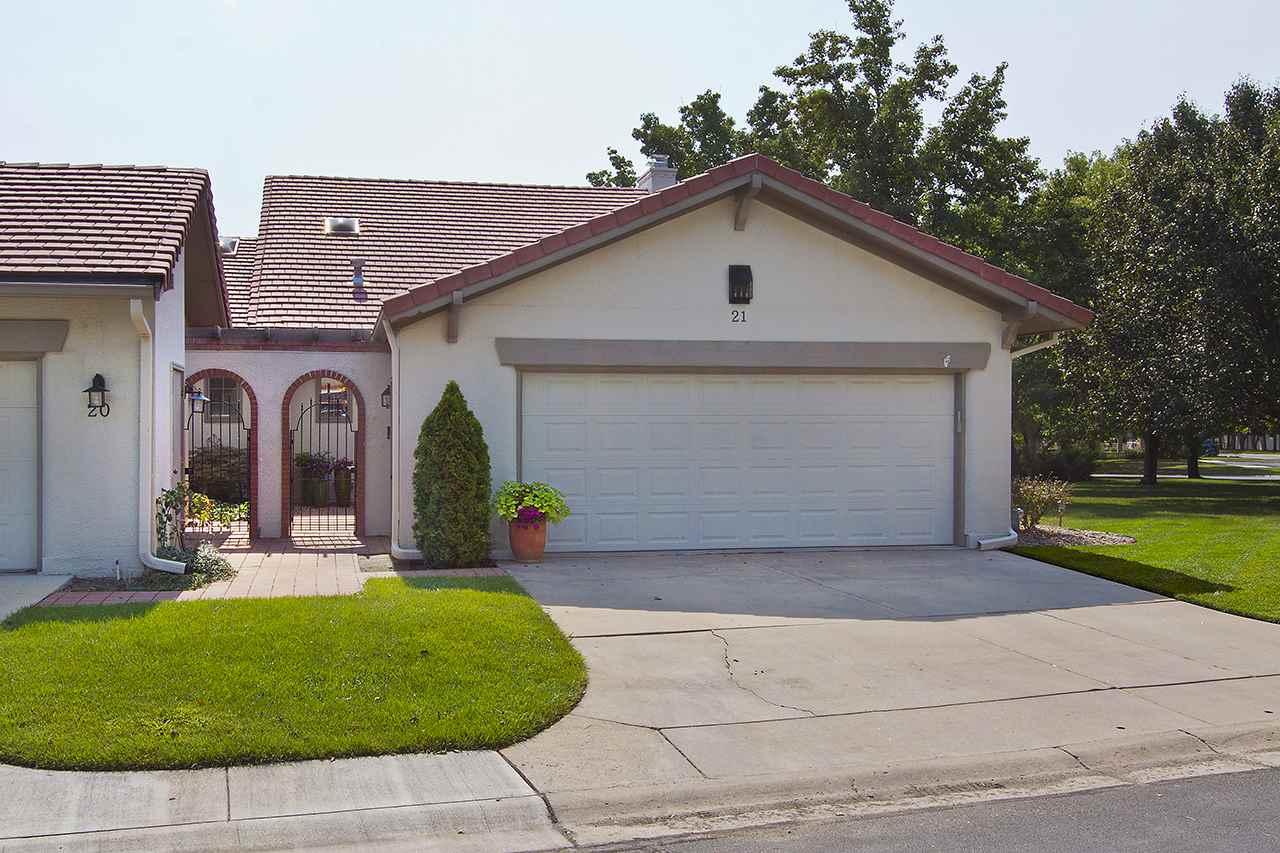 21 E Via Verde St, Wichita, KS 67230