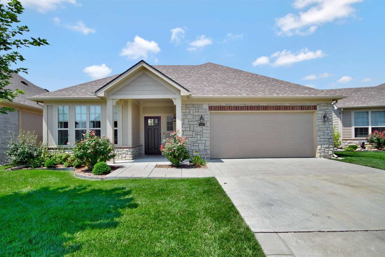 4845 N Indian Oak St, Bel Aire, KS 67226