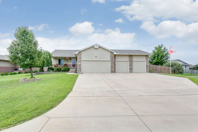 3113 E Kite, Wichita, KS 67219