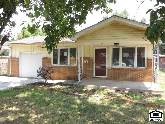 254 N Sunnyside Rd, Haysville, KS 67060