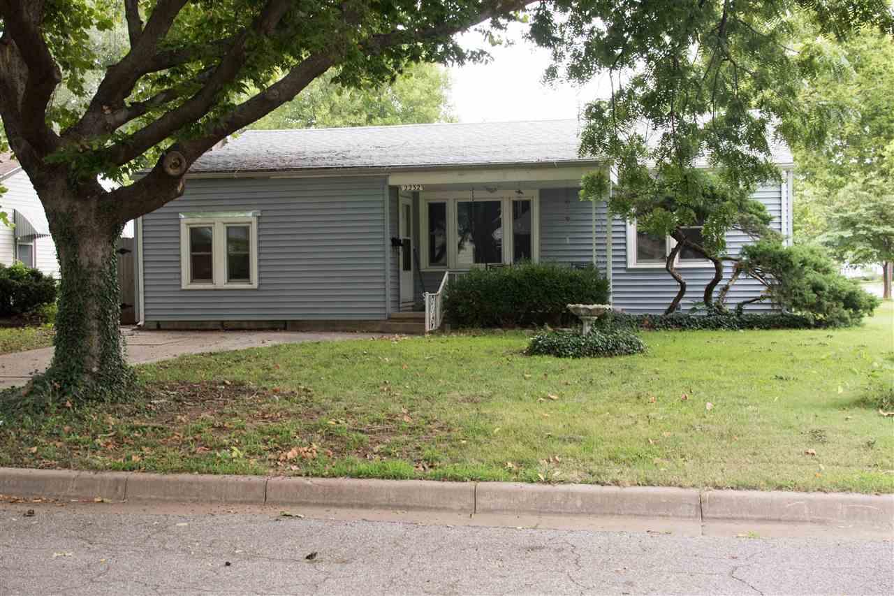 2232 S Green, Wichita, KS 67211