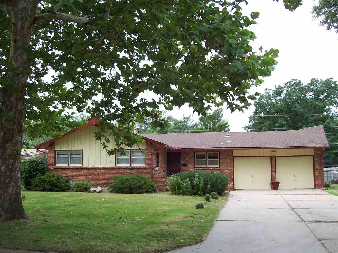 853 N PETERSON AVE, Wichita, KS 67212