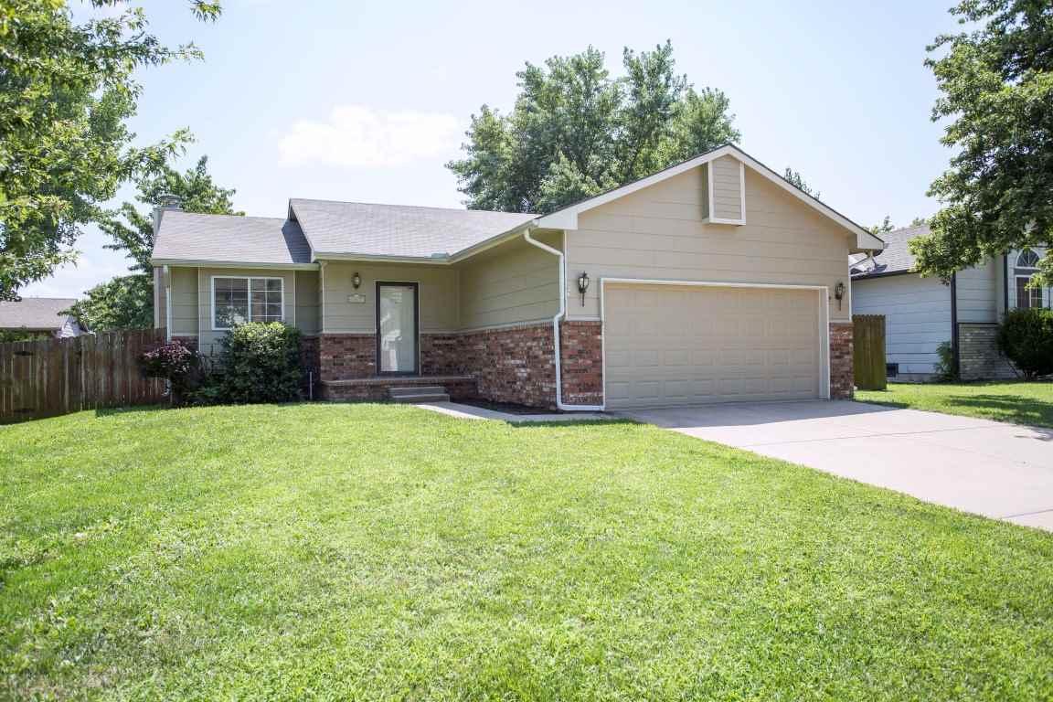 11617 W Jamesburg St, Wichita, KS 67212