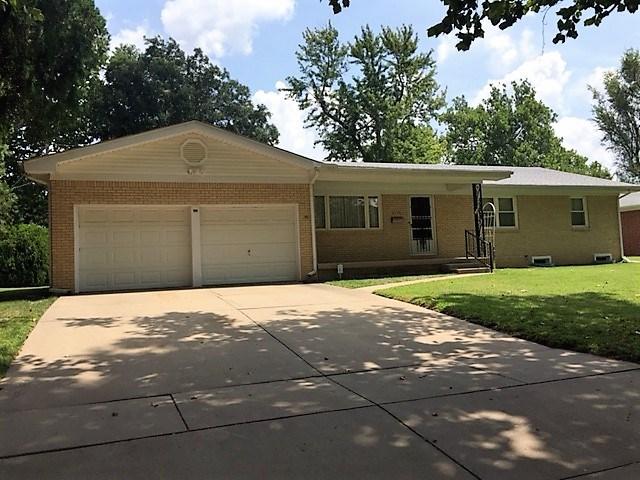 2730 S Laura, Wichita, KS 67216