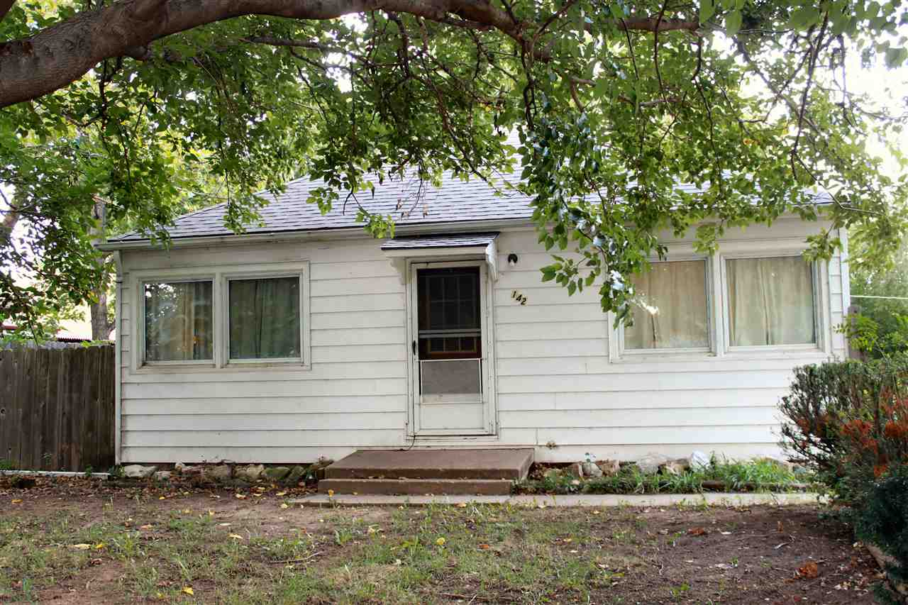 142 S 3rd Ave, Clearwater, KS 67026