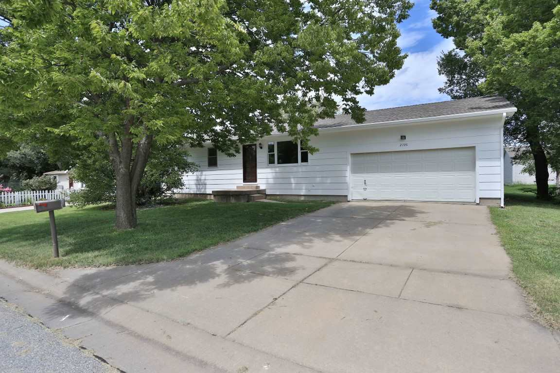 2726 W Maxwell, Wichita, KS 67217