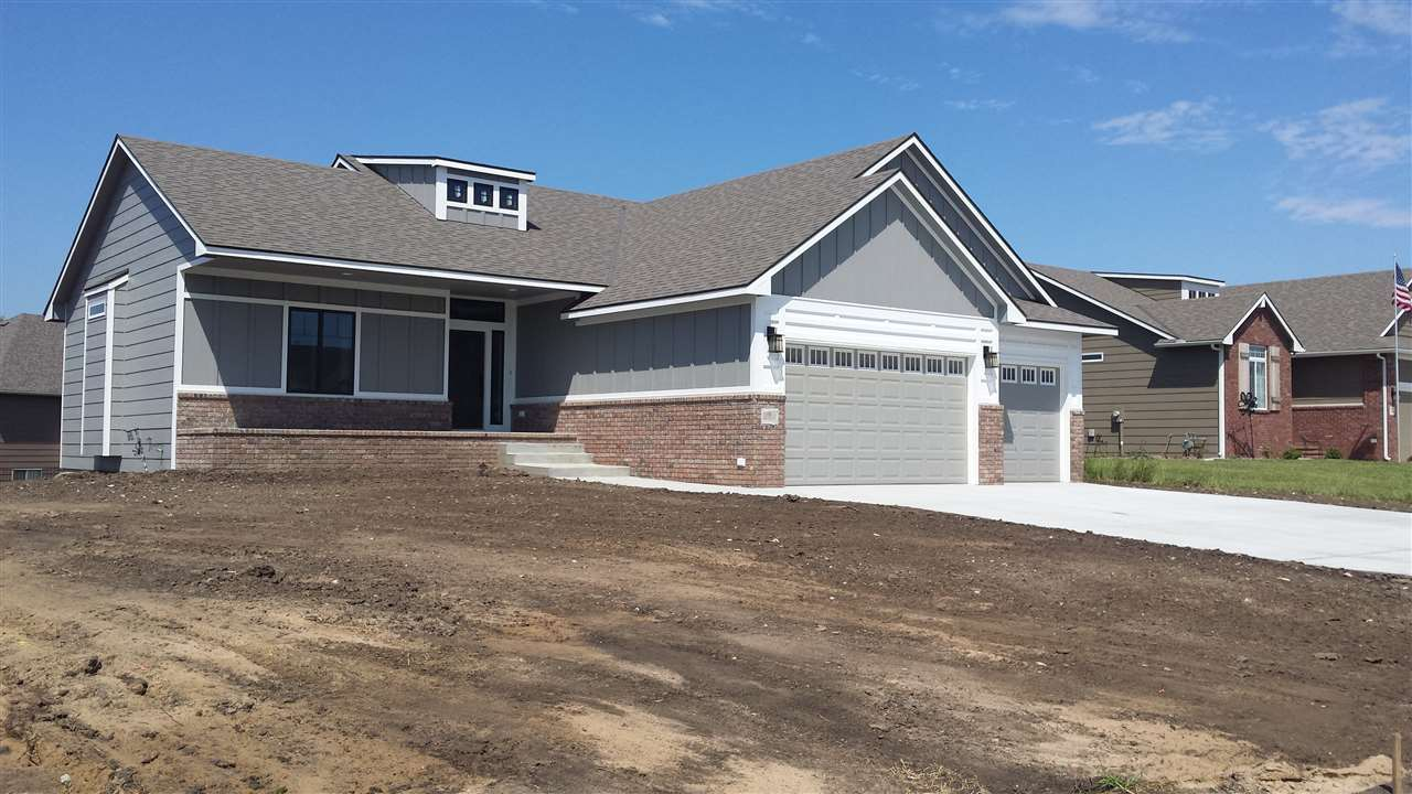 3 N Driftwood Cir, Valley Center, KS 67147