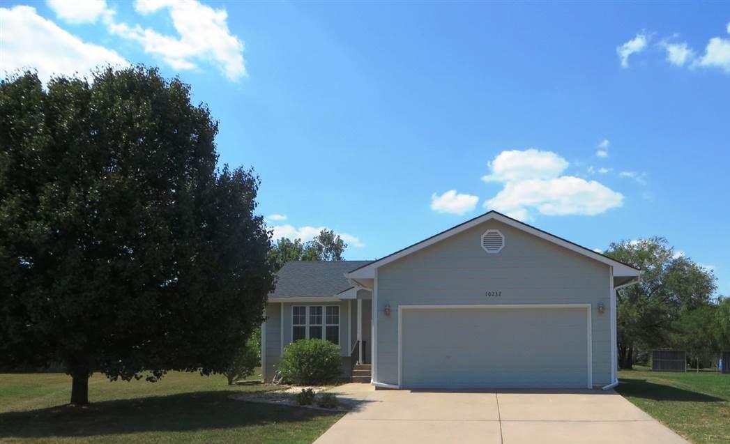 10232 E Skinner Ct, Wichita, KS 67207