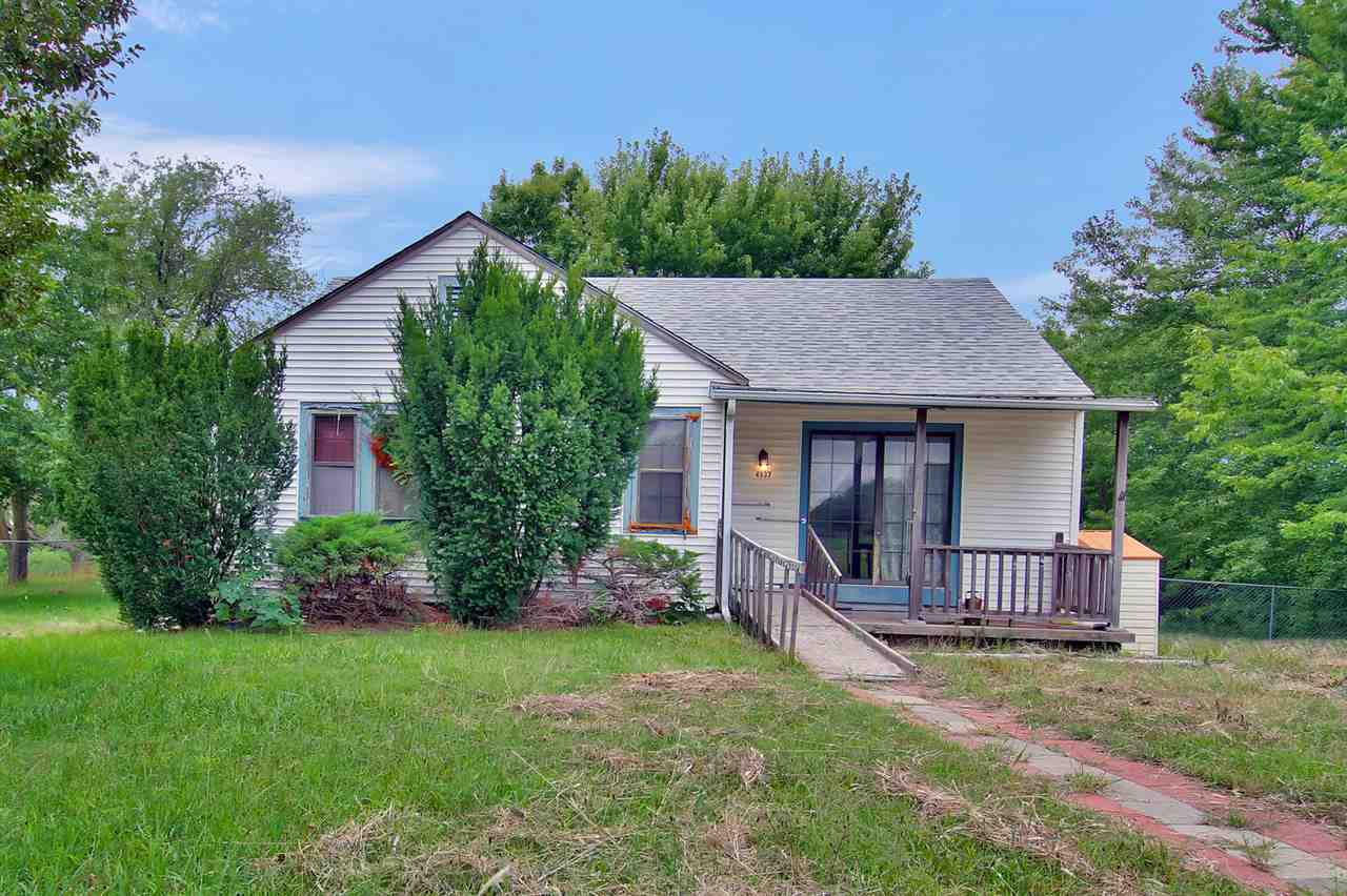 4937 S Mission St, Derby, KS 67037