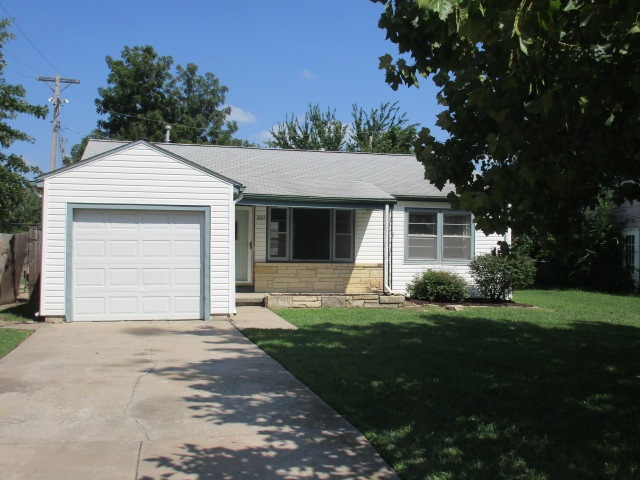 1262 N Glendale St, Wichita, KS 67208