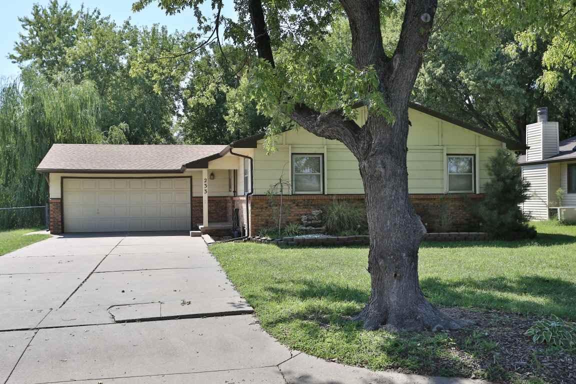 233 S Brunswick St, Wichita, KS 67209