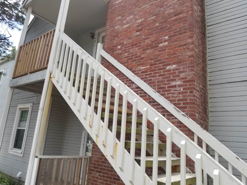 Clean and nice condo featuring 2 bedrooms and 2 bathrooms, spacious and updated and well maintained. All appliances stay. HOA covered everything outside the unit, roof, windows, trim, siding, snow removal...etc.