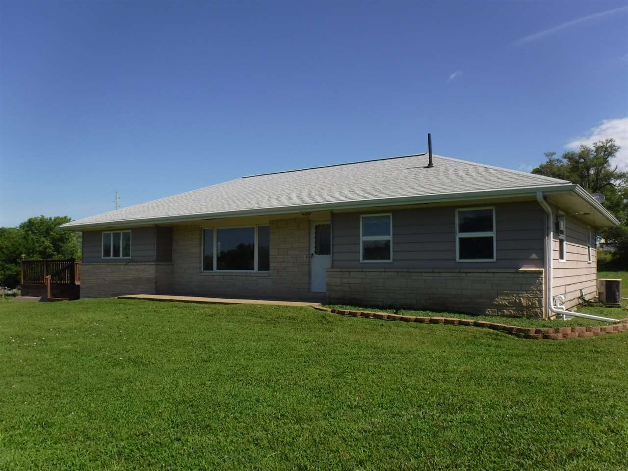 530 E 6th, Strong City, KS, 66869