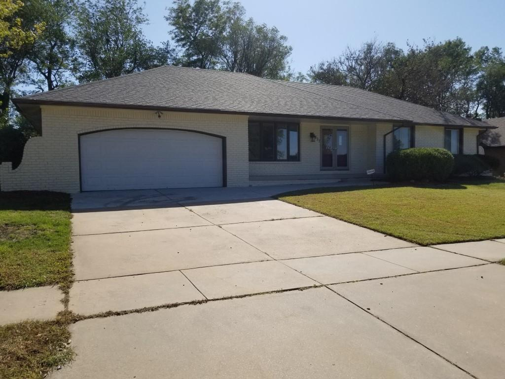 Professionally updated and remodeled house. A lot of space; 4 bedrooms, 3 baths, formal dining room, sun room, new wet bar, newer roof and 2-car garage. Amazing colors, modern and stylish wood floors, granite counter and tile throughout the home. Fresh paint, inside and outside, a lot of new concrete work.