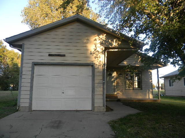 6220 Ne Parkview, Park City, KS, 67219