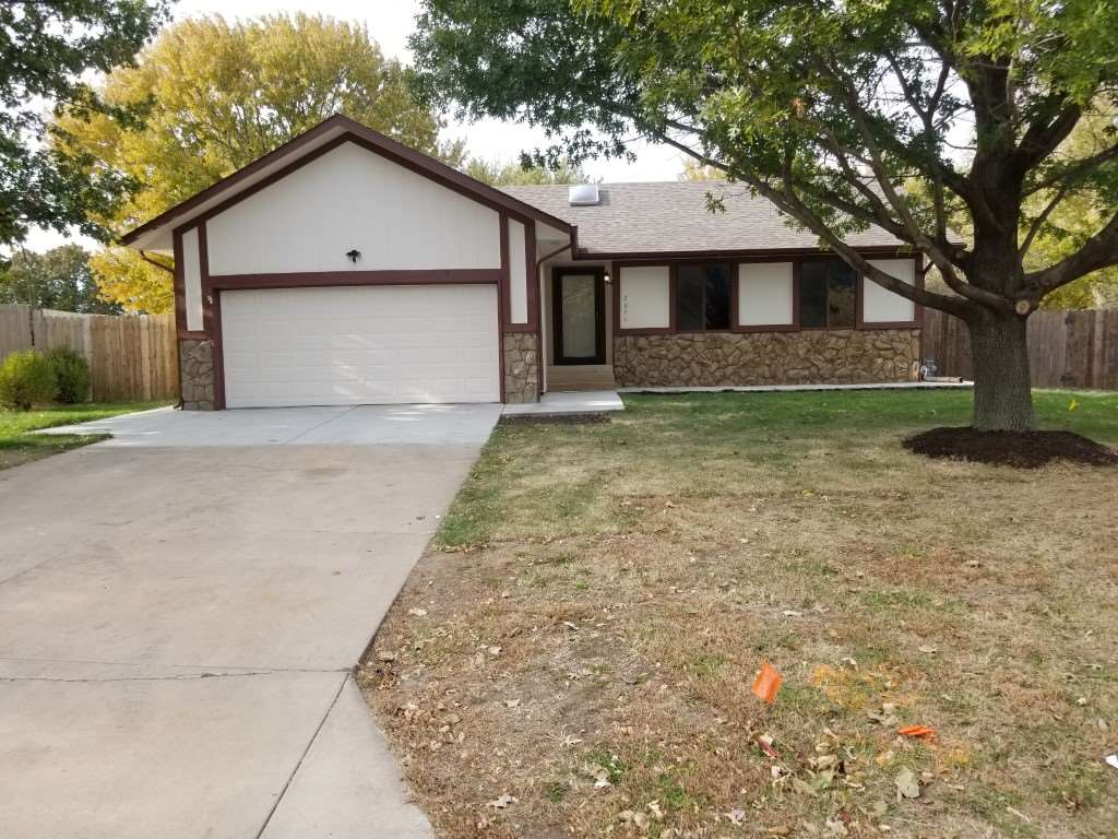 CUTE AND UPDATED COZY HOUSE IN DERBY, COMPLETELY REMODELED AND UPDATED WITH UNIQUE COLORS AND GRANITE COUNTERS IN KITCHEN AND BATHROOMS, NEW LAMINATE FLOORING AND CARPET AND TILED BATHROOMS. HOUSE FEATURES 4 BEDROOMS INCLUDED 2 MASTER BEDROOMS ONE IN THE BASEMENT , YOU WILL LOVE IT, AND ONE IN THE MAIN FLOOR. NEW APPLIANCES AND LIGHT FIXTURE AND NEW AC/FURNACE, AND NEW ROOF 2019.TAKE YOUR PICKY BUYERS AND HOUSE WILL NOT LAST. QUIET AREA AND CLOSE TO ALL SHOPPING CENTERS IN DERBY