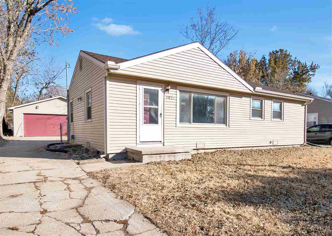UPDATED DERBY STARTER ... $2,000 APPLIANCE PACKAGE OFFERED   Desirable derby Home located right acro