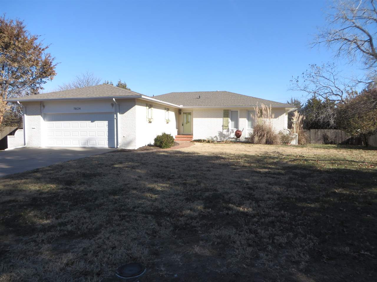 Large home on a large lot.  Over 1/2 acre.  New flooring in Kitchen, hearth room and hallway.  Locat