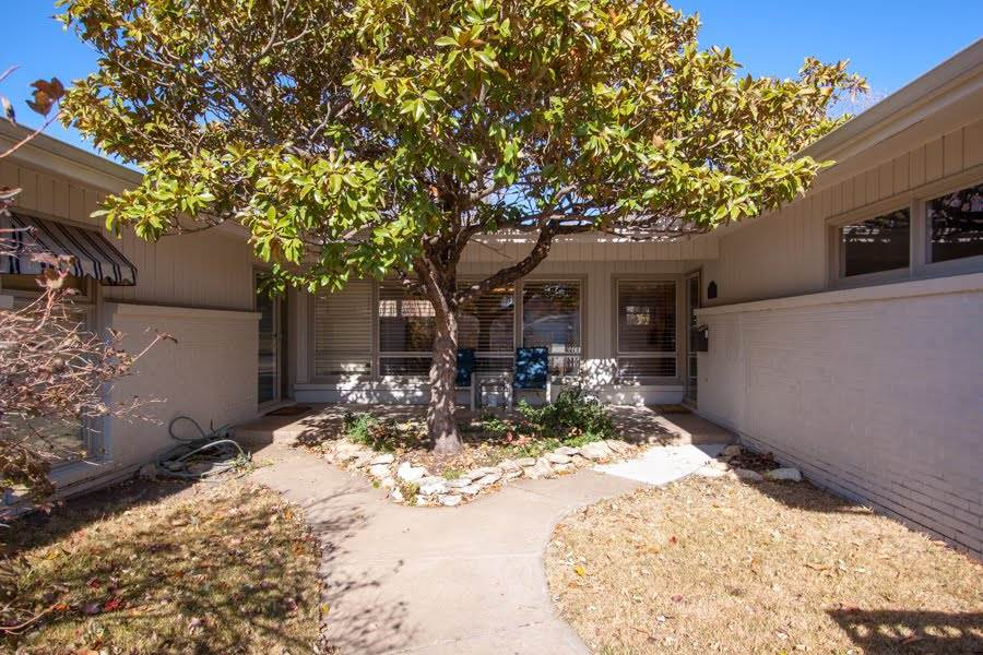 Absolutely Beautiful 3 bedroom, 2.5 bath Ranch Home w/attached 2 car garage + IN-GROUND Gunite (ceme