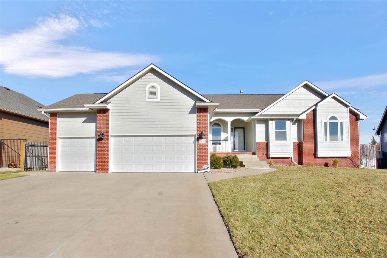 Welcome home to this immaculate 3bed/2bath/3car ranch with unfinished basement in east Wichita. The