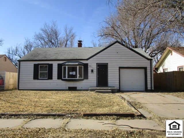 Great Value! Ranch Style Home Featuring: 2 Bedrooms, 1 Bathroom, Full Basement, Family Room, Fenced