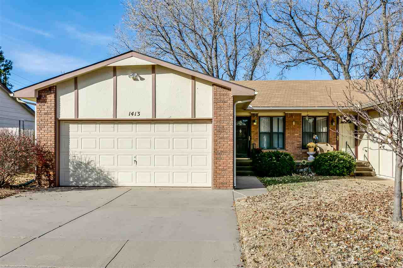 Great 2 bed, 2 bath, 2 car garage twin home conveniently located to I-235 access and close to Orchar