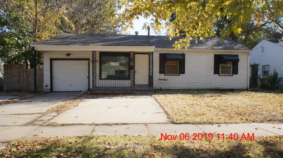 Located in Southeast Wichita is this 3 bdrm, 1 ba ranch home with family room, dining room, some har