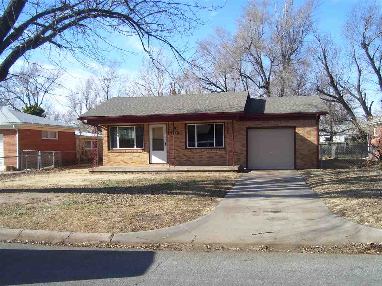 249 N SUNNYSIDE Rd, Haysville, KS, 67060