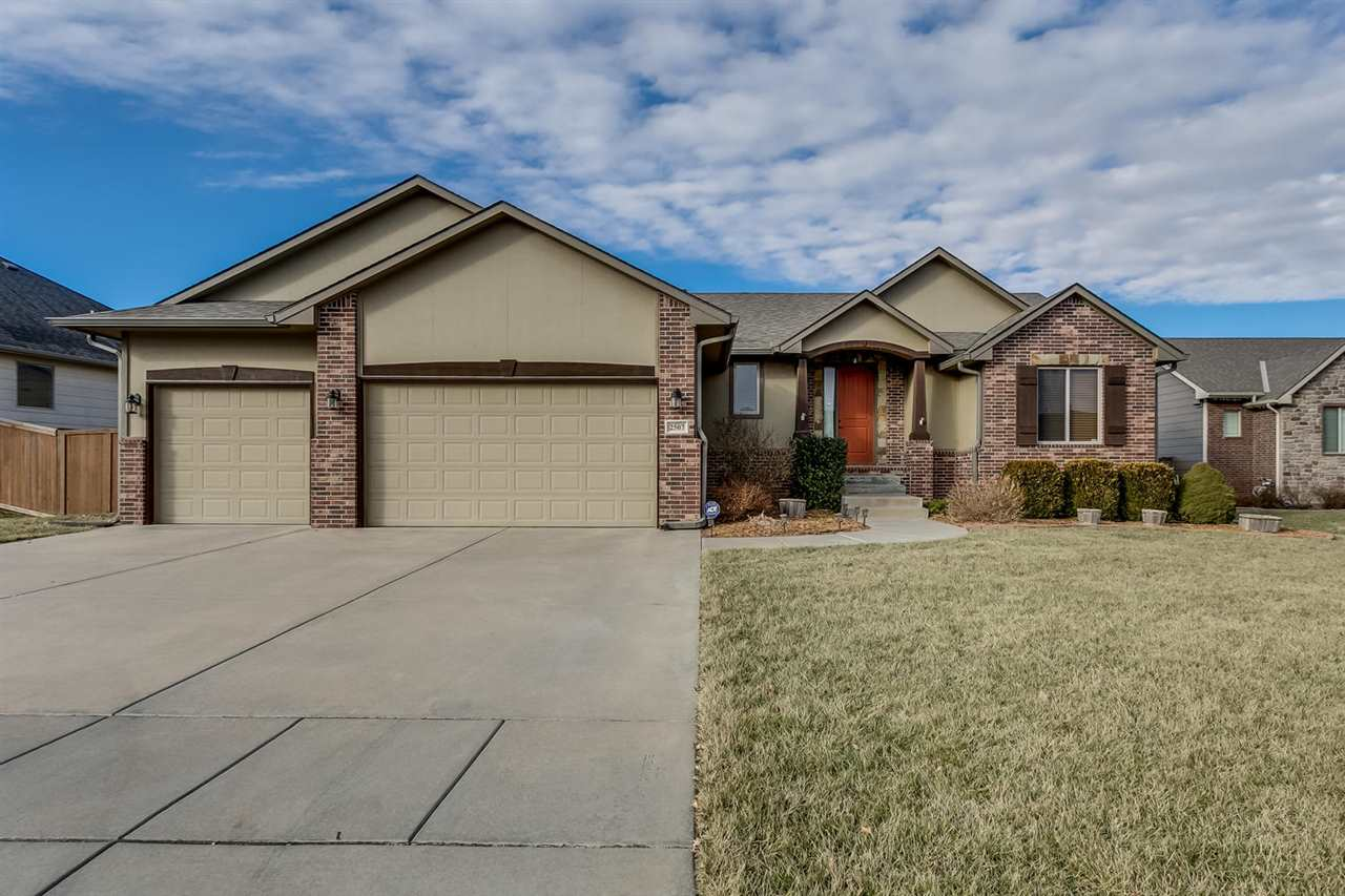 This wonderful split bedroom ranch has beautiful features inside and out and sits on a cul-de-sac lo