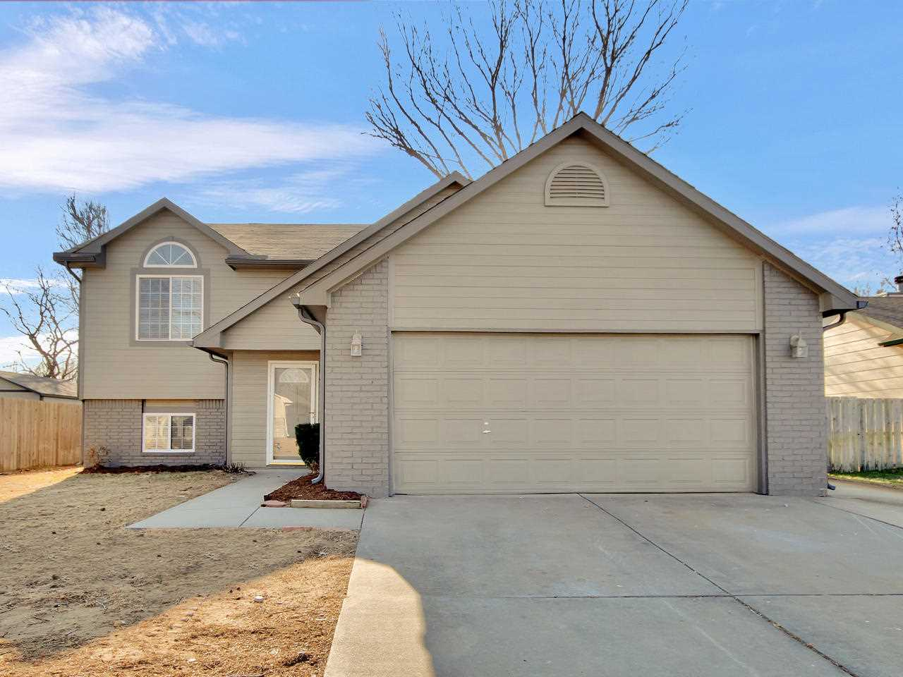 1307 Spring Cir, Haysville, KS, 67060