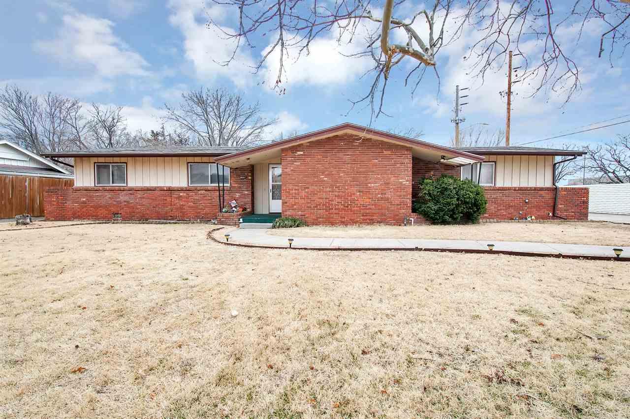 8001 E Lynwood St, Wichita, KS, 67207