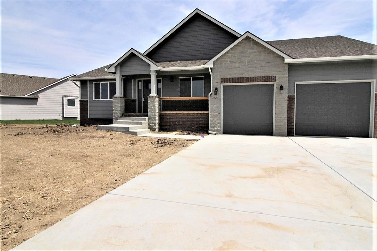 MOVE IN READY! Come see this BRAND NEW 4 bedroom, 3 bathroom home with 3.5 car tandem garage. The ma